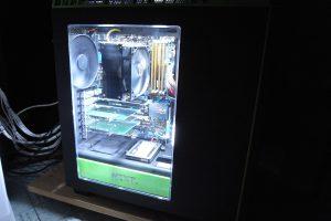 9 7 300x200 - 【自作PC】 PCケースのサイドパネルがアクリルの男の人って…デキる男ですよね!!