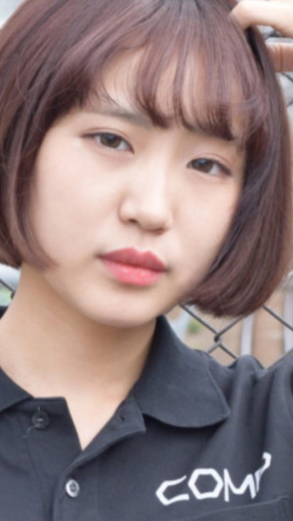 17 576x1024 - 【画像】最近人気の女子ゲーマー達の顔一覧をご覧ください