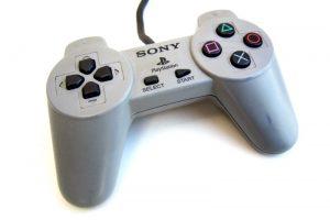 tIVxUfth8VUup 300x200 - コントローラーを重視してるゲーム会社ってソニーだけじゃね?