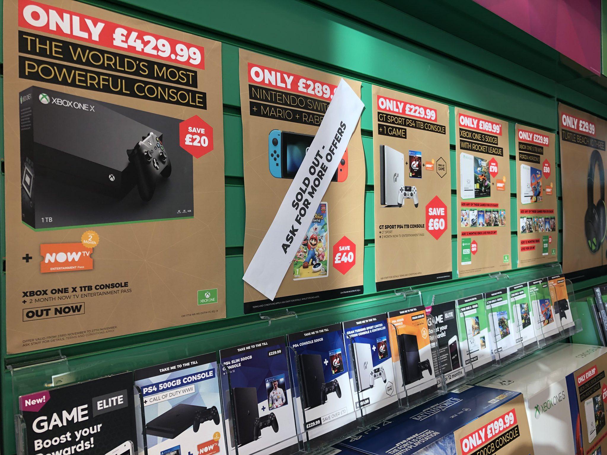 7AugCh9eUrUGk - 【悲報】PS4 尼、ウォルマート、Best Buy、GameStopアメリカ主要小売店全てで売り切れてしまうw