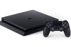 PS4 Slim new 1 300x200 - 【PS4】2019年度の売り上げ予想が1億の大台へ。wiiを超えるペースで爆売れ中!!