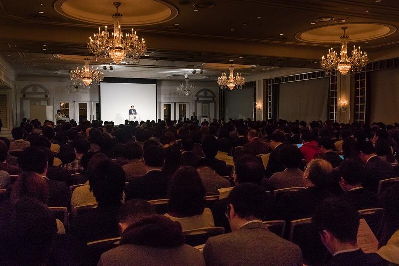 01 - カプコン社長「MHWはアジアで従来の10倍売れてる」