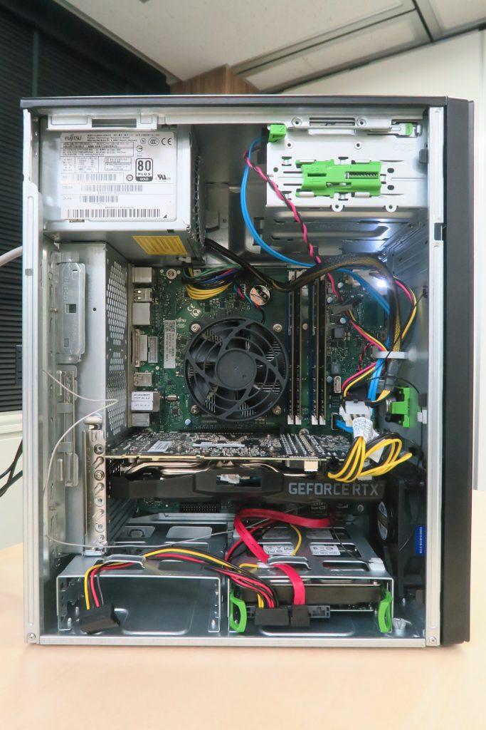 富士通、社畜PCのケースを流用した光らない渋いゲーミングPCを発表!