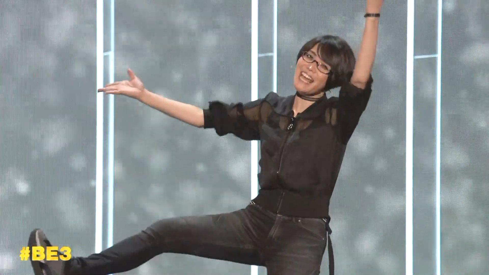 4 12 - 【画像】とある日本人女性、『E3』にてめちゃくちゃ注目を浴びてしまう 世界中でトレンドに