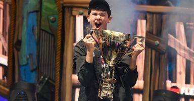 1 58 384x200 - 【eスポーツ】フォートナイト世界大会で優勝した16歳少年、賞金3.3億円を手にする