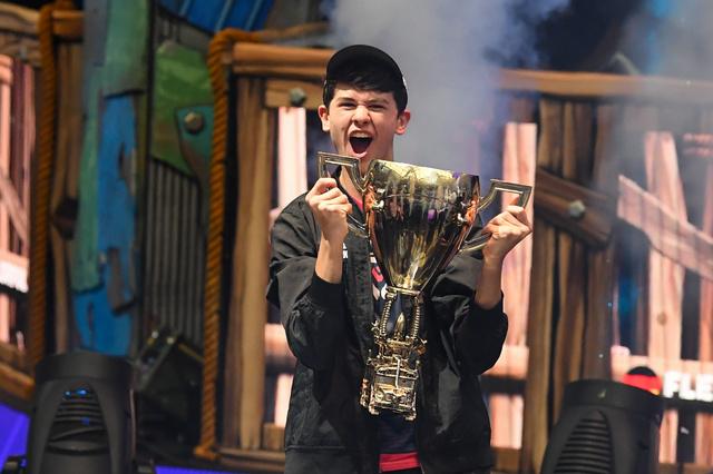 1 58 - 【eスポーツ】フォートナイト世界大会で優勝した16歳少年、賞金3.3億円を手にする