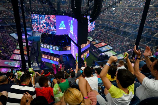 2 44 - 【eスポーツ】フォートナイト世界大会で優勝した16歳少年、賞金3.3億円を手にする