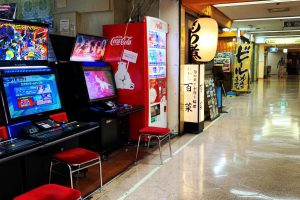 EAtBu8kVAAAaVtQ 300x200 - 家庭用ゲーム機が「ゲームセンターと同水準」になったのっていつ頃?