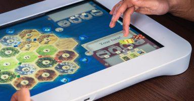 PlayTable 384x200 - ソニー、「PlayStation」の商標を侵害していると「PlayTable」と呼ばれる卓上ゲーム機開発スタジオを提訴