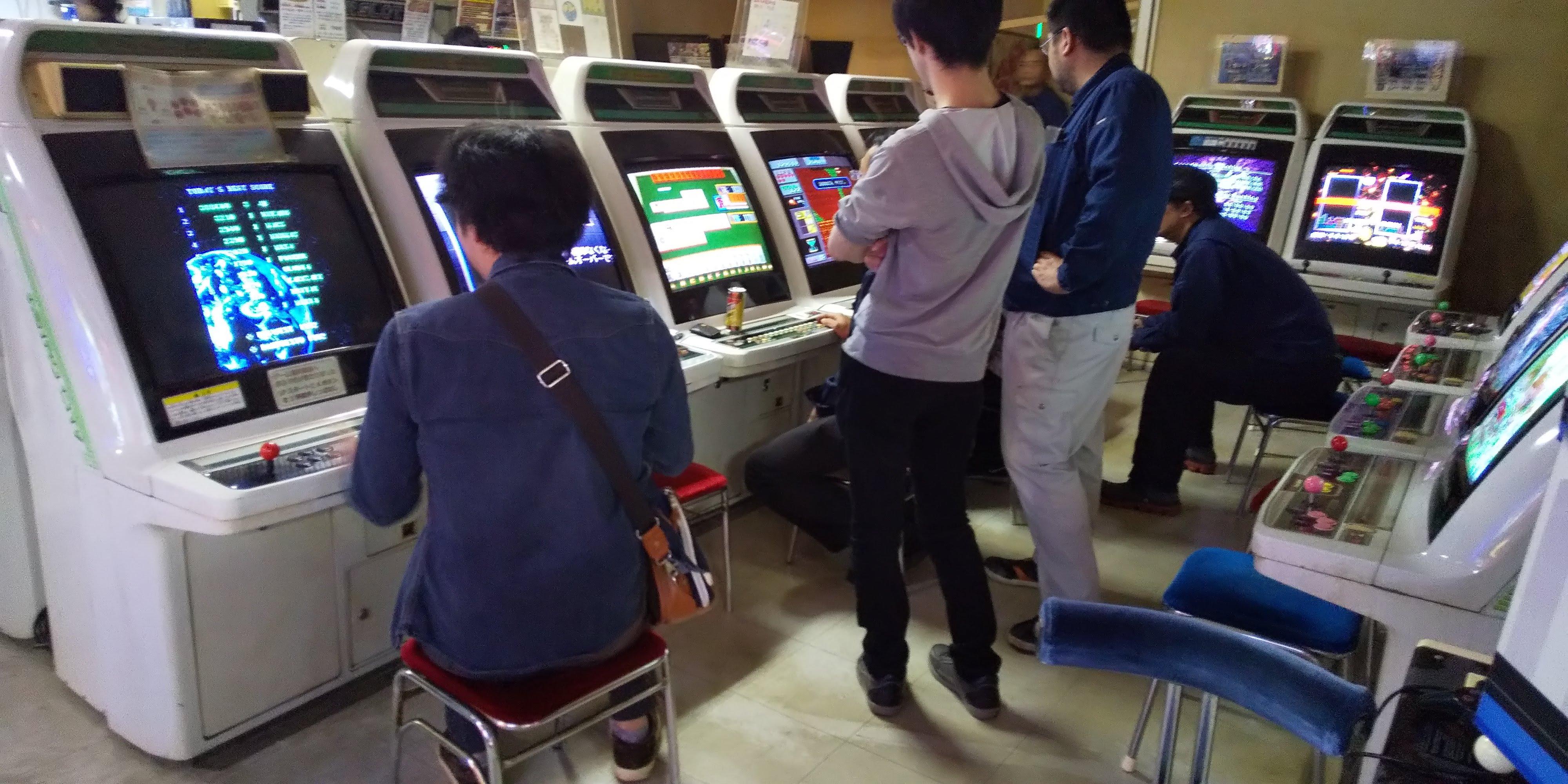 EIN1I7dWoAAG9R0 - ゲームセンターはなぜ流行らなくなったのか。 むかしは学生・カップル・底辺夫婦やおじいさんの