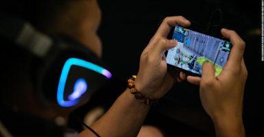 china mobile game super 169 384x200 - 中国当局、未成年のソシャゲを規制。22時〜8時までゲーム禁止・課金は月額3000円まで