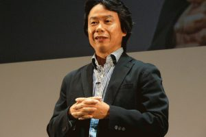 l wk 091027miyamoto01 300x200 - 宮本茂「ゲームは作品ではなく商品。主役はお客様でありゲームではない」
