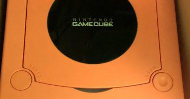 ELOI4jfU0AAeWRA 384x200 - ゲームキューブエアプ「友達と遊んで一番盛り上がったソフトはスマブラDXだよなw」