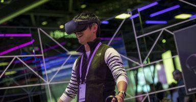 goCwoGGo 384x200 - 【朗報】VR、ガチで始まる。Valve Index(999ドル)とOculus Quest(399ドル)が全世界で売れまくって入手困難に