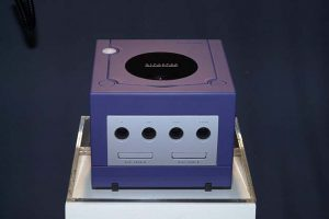 nin03 300x200 - 任天堂、次世代ゲーム機を発表! 遂にベールを脱いだ次世代ゲーム機「NINTENDO GAMECUBE」