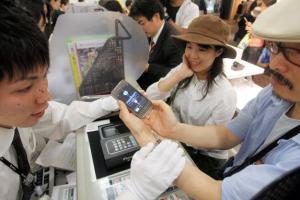 f81fd2e4c52864042852c112ce927ae2 4 300x200 - iPhoneシェア、13.4%。なぜこんなに売れなくなってしまったのか