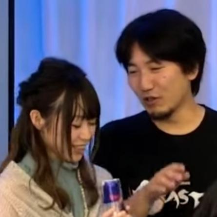 """2 18 - 日本だけ""""プロゲーマー""""より""""絵""""の方が地位高いの悲しいよな。この国からFakerやs1mpleみたいなeスポーツスターは現れないのか?"""