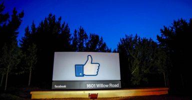 5 19 384x200 - 【朗報】Facebookさん、エピック側につき、Appleの30%は横暴と表明