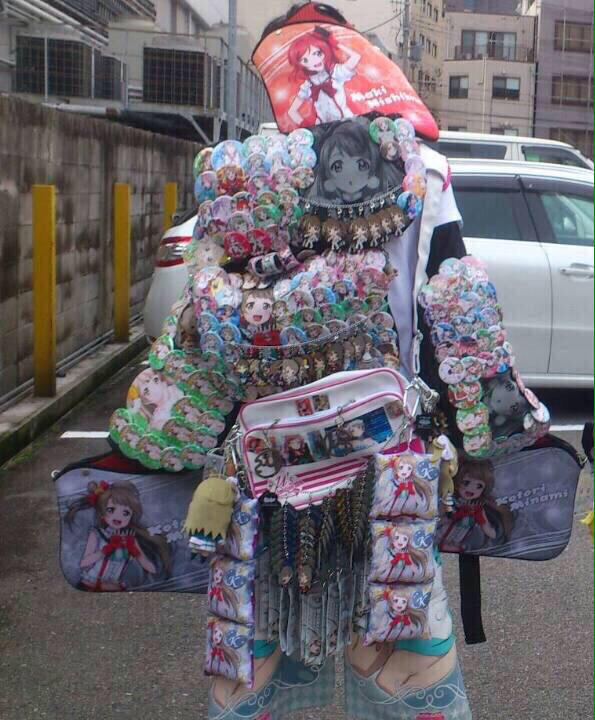 B5eK73DCEAE65Gt - 【悲報】プリキュアさん、14万円の缶バッジセットを販売してしまう