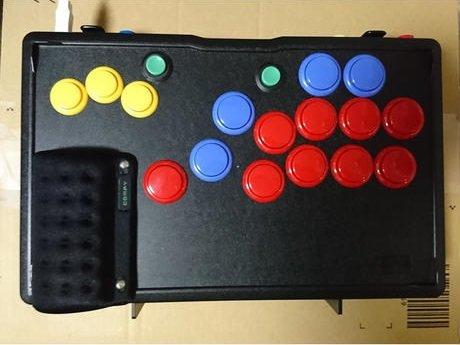 11 5 - 格闘ゲーム用のコントローラー、いつの間にかレバー無しが当たり前になっていた