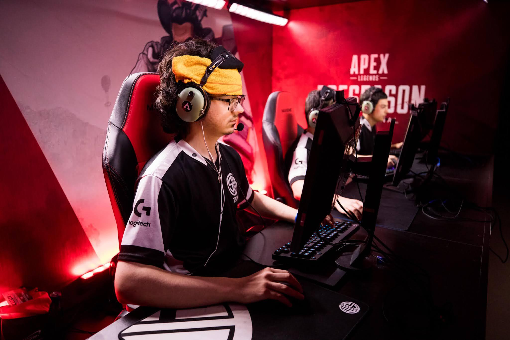 6 2 - 【ガチ悲報】APEX世界最強プロプレイヤー、引退。「このゲームの競技シーンに将来性を感じない」