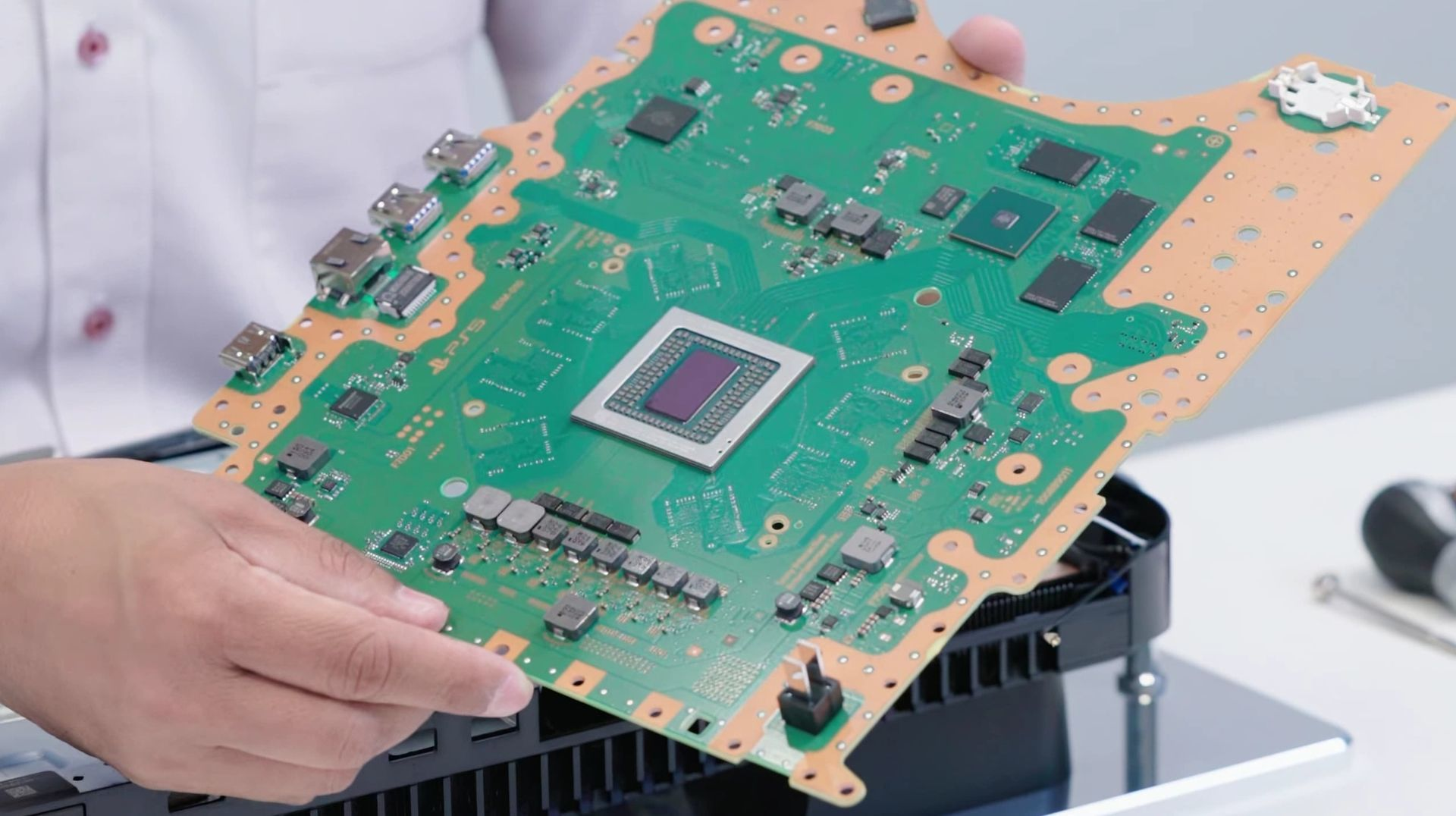 w4akd ww20w - DF「PS5は内蔵SSD逝ったら交換修理だし拡張SSDも冷えねーだろコレ」
